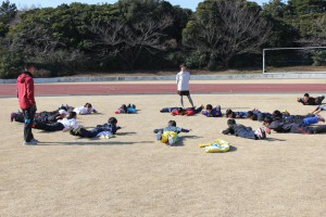 体力づくりに汗を流す選手達