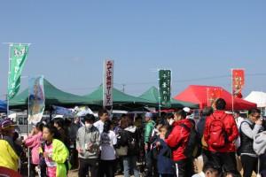 富津市観光協会によるノリみそ汁の無料サービス