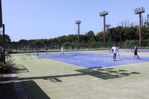 テニスコート クラブ対抗戦