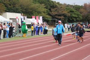 参加者・スタッフによる入場行進